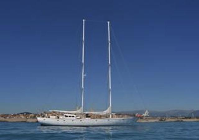 Salling yacht CARINAE IX