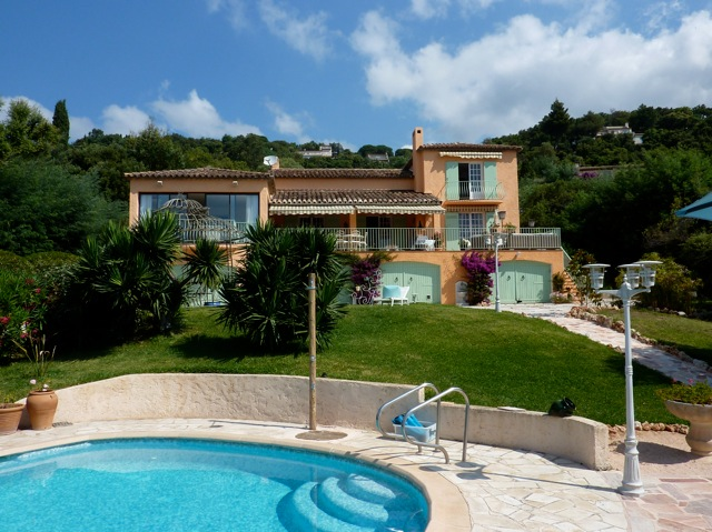 Holiday villa rental in the residence BEAUVALLON, Grimaud(just before Saint Tropez)