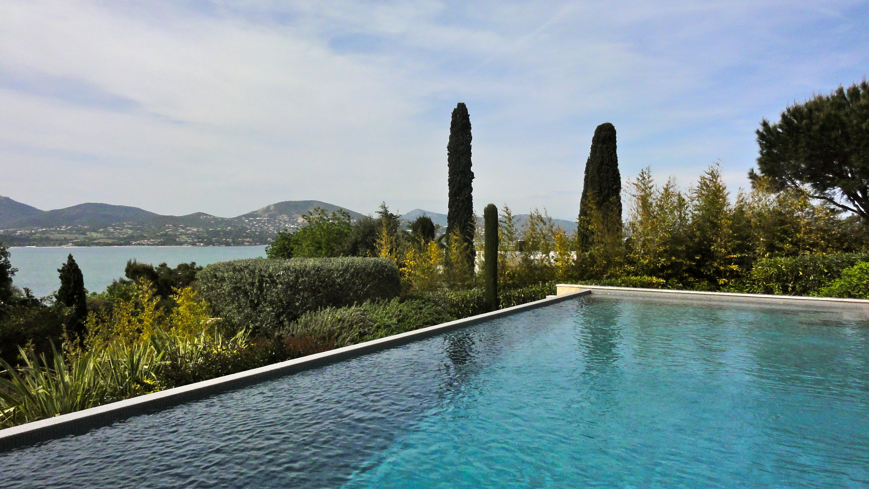 AMAZING HOLIDAY VILLA RENTAL IN ST.TROPEZ