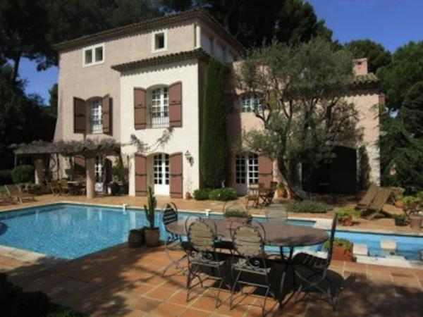 Magnificent villa for rent - Cap d'Antibes, with sea view