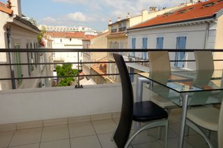 Amazing rental studio in the centre of Cannes,33 m2 with 10m2 terrace