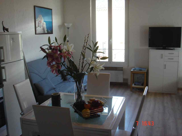 Appartment in old Antibes after RENOVATION-2